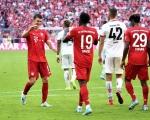 德甲-拜仁6-1逆转美因茨 2新援传射阿拉巴世界波