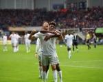 德甲-拜仁3-2帕德伯恩升至榜首 库鸟传射莱万建功