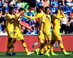 西甲-10人巴萨2-0客场首胜 小狮王助攻苏牙破门新左闸首球
