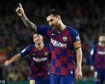 西甲-两人染红巴萨4-0升至联赛第二 梅西斩获本赛季首球