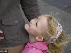 孩子之间的相处免不了争吵,家长千万别在孩子面前这样做!
