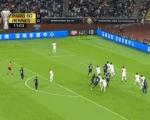 下马威!巴黎后卫头球中柱 回过头雷恩反击先下一城