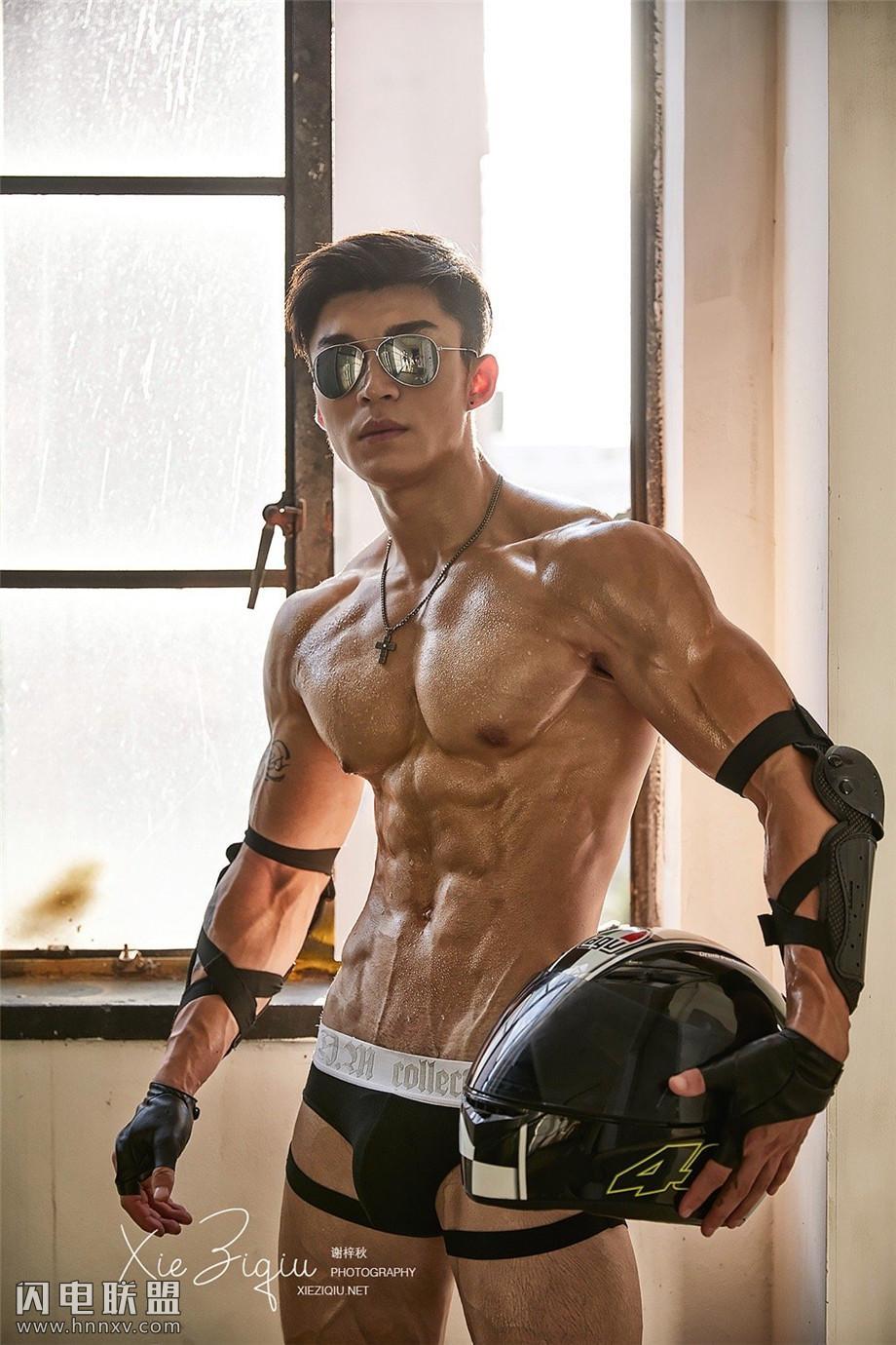 90后要颜值性感型男肌肉图片