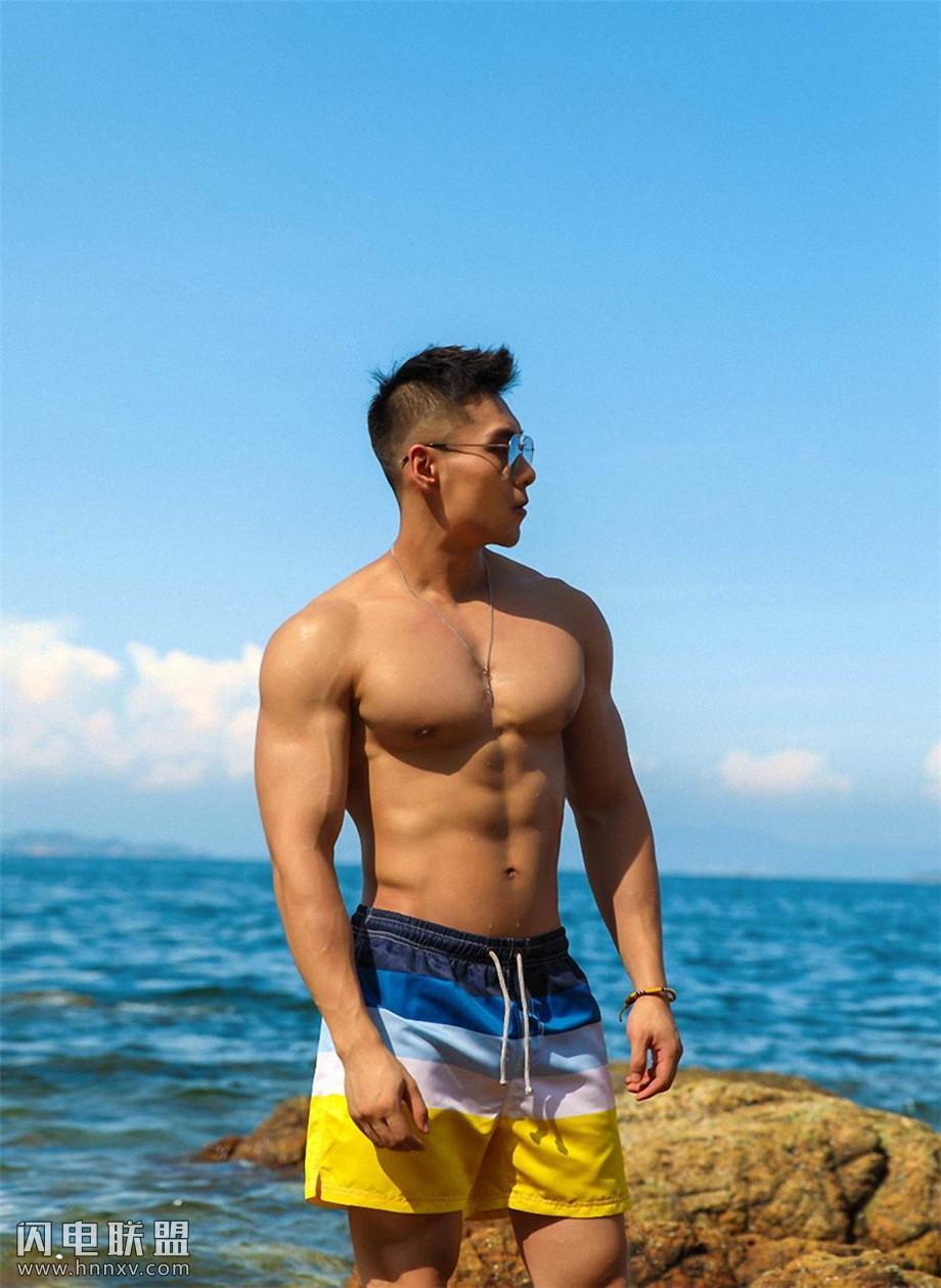 中国肌肉帅哥写真图片