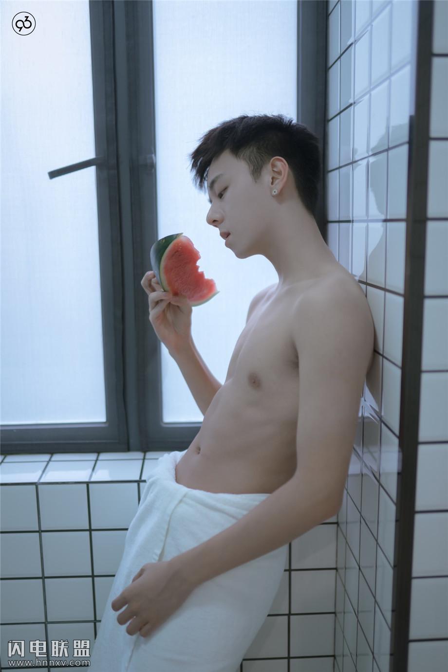 性感19岁帅哥自拍照小鲜肉