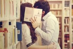 泡妞实战: 搭讪、约会、接吻全过程(4)