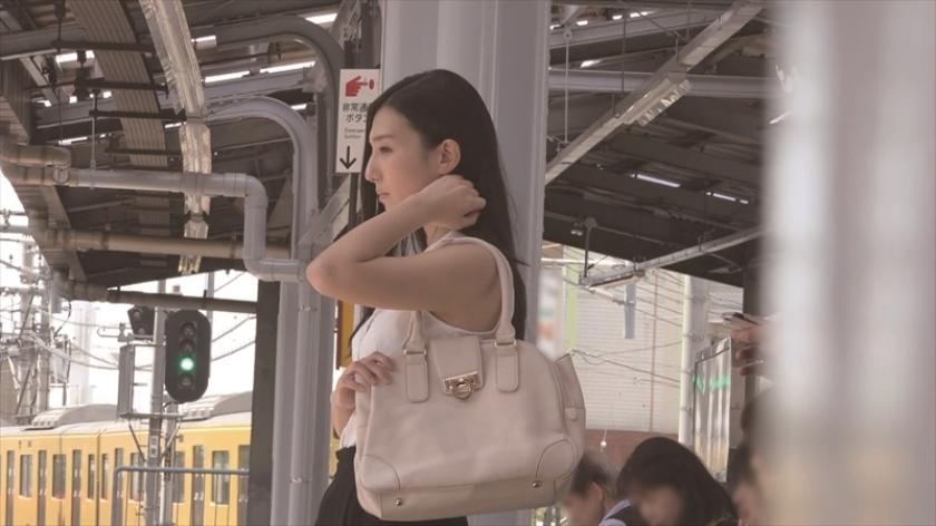教师古川伊织(古川いおり)被电车痴汉骚扰