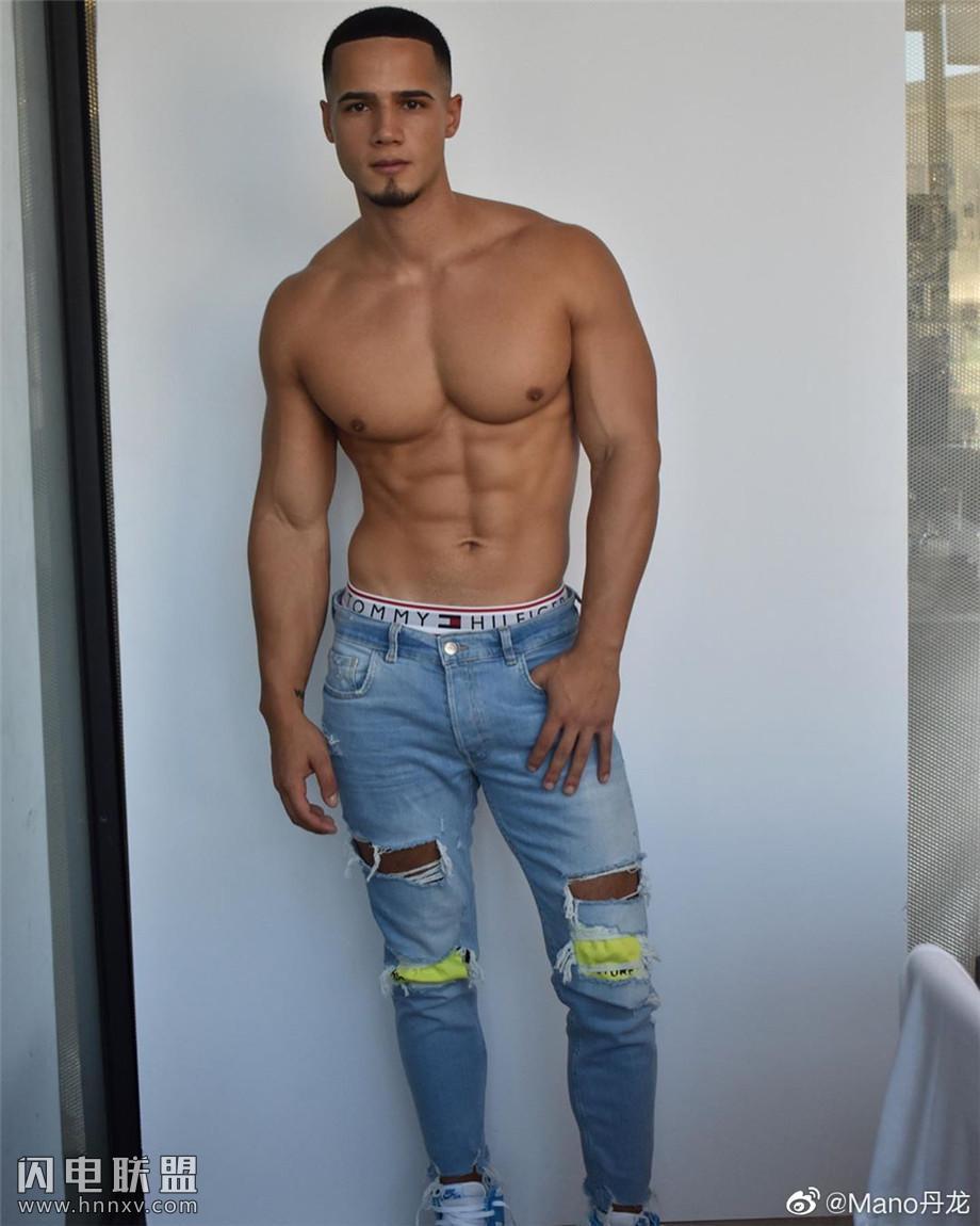 性感巴西肌肉男模图片第2张