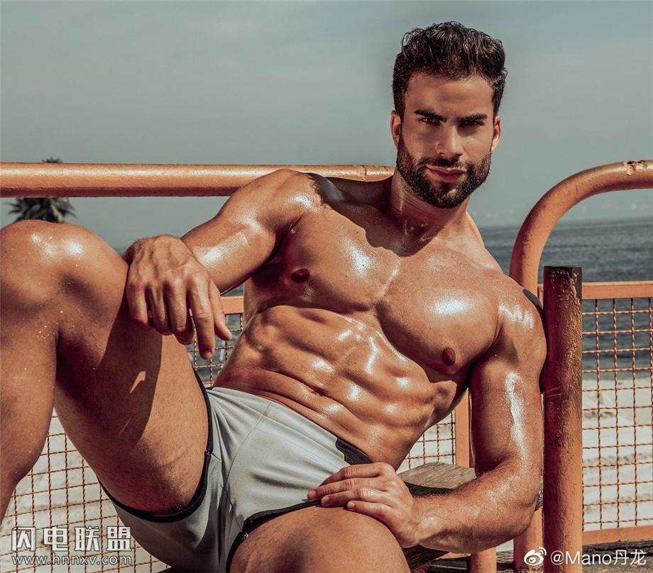 性感欧美型肌肉男写真图片