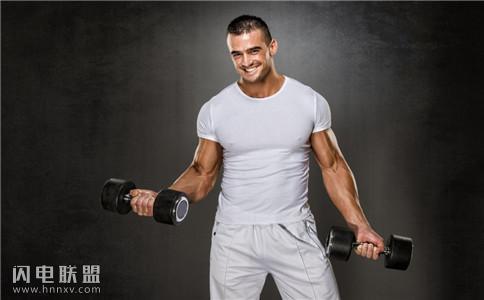 背阔肌怎么锻炼?