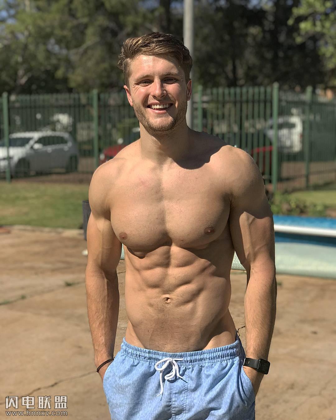 性感欧美健身肌肉帅哥写真