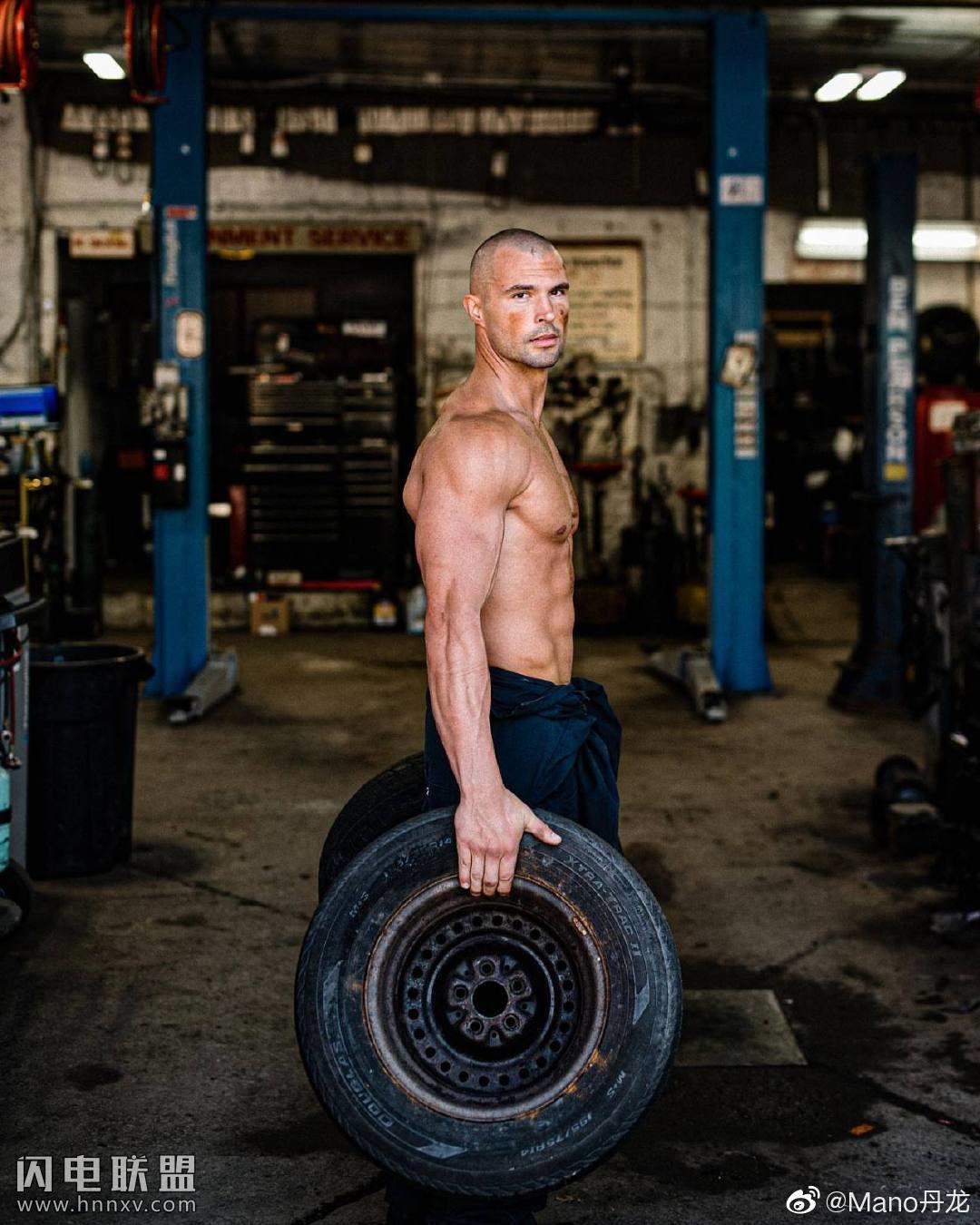 帅气美国肌肉帅哥照片