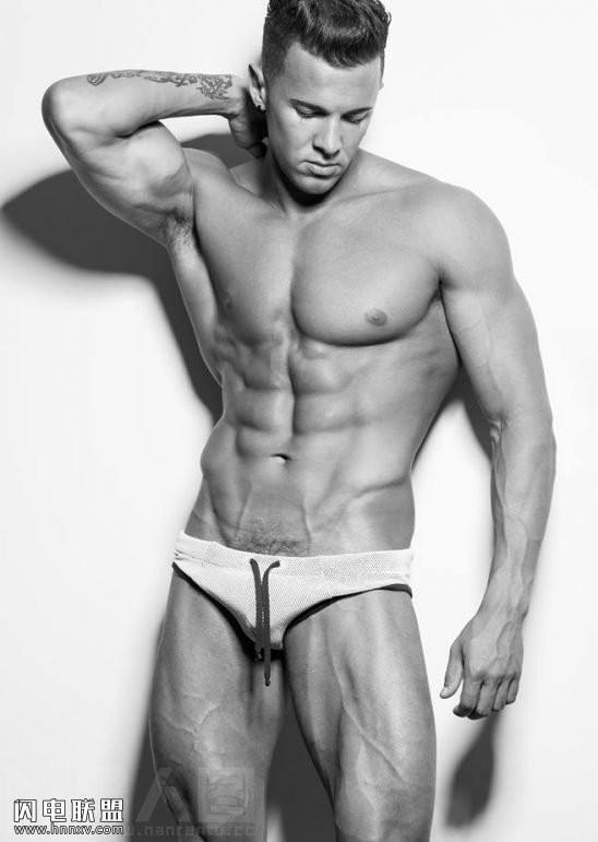 超帅肌肉裸男的大基吧