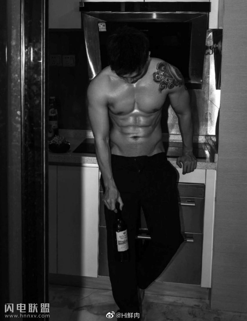 90后性感肌肉型男照片