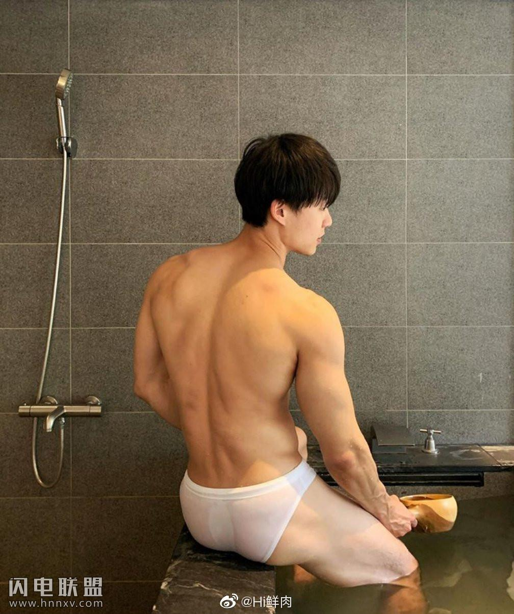 性感肌肉男帅哥诱惑男体艺术摄影照片