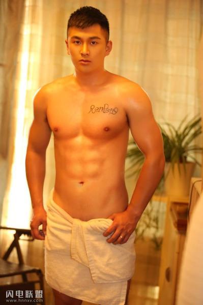 国产肌肉型男照片