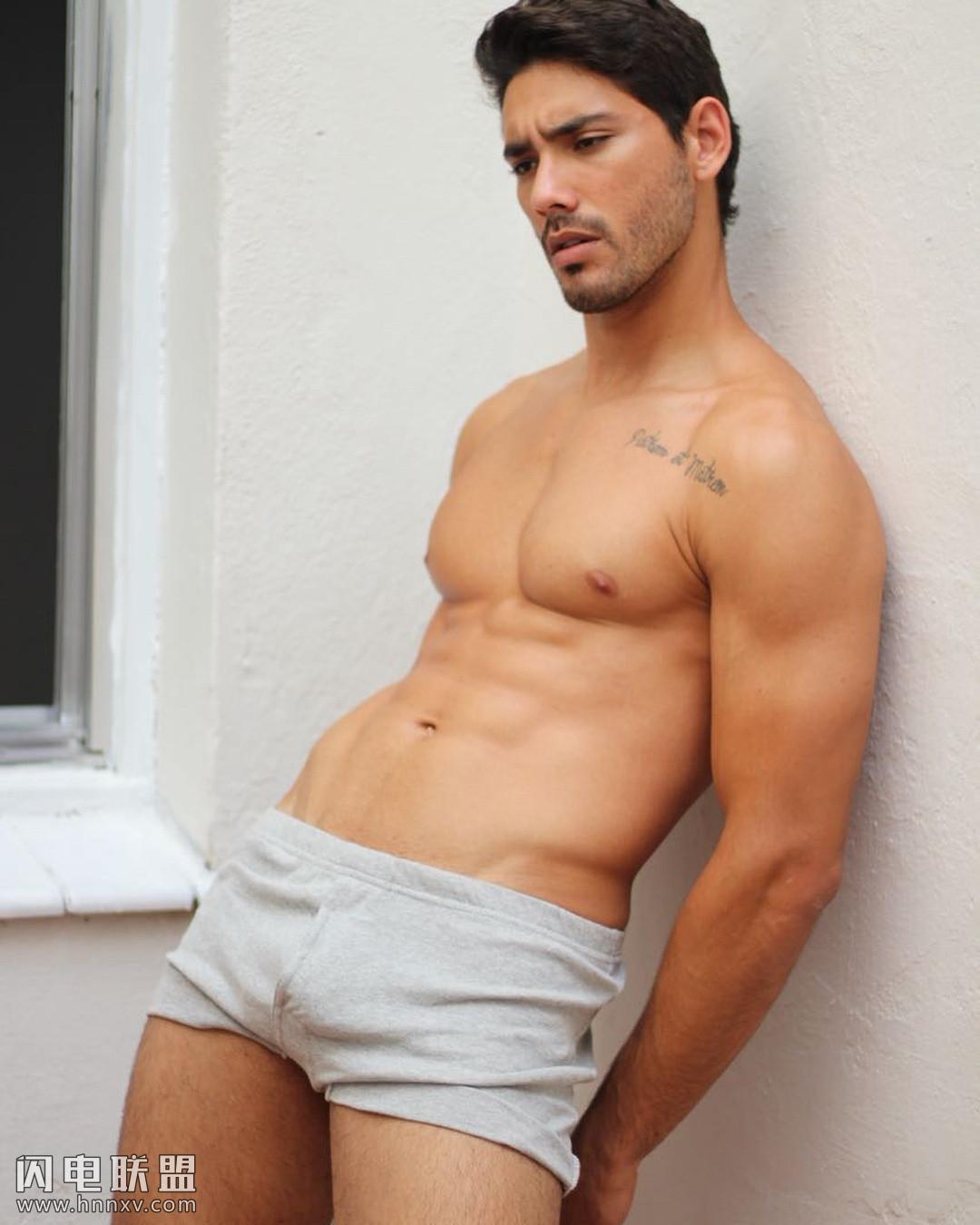 欧美性感肌肉帅哥型男图片