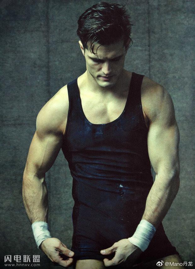 欧美肌肉运动员帅哥图片第6张