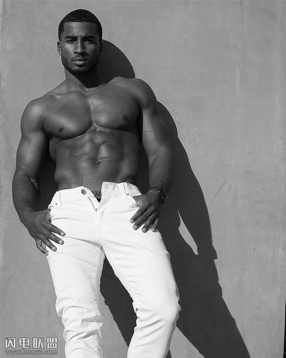 欧美黑人肌肉帅哥图片
