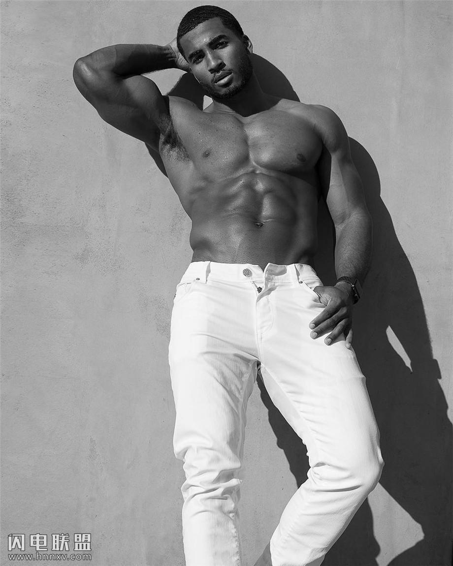 欧美黑人肌肉帅哥图片第5张