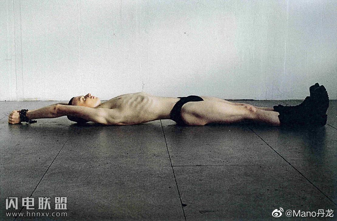 90后欧美鲜肉男模男体艺术摄影写真照片