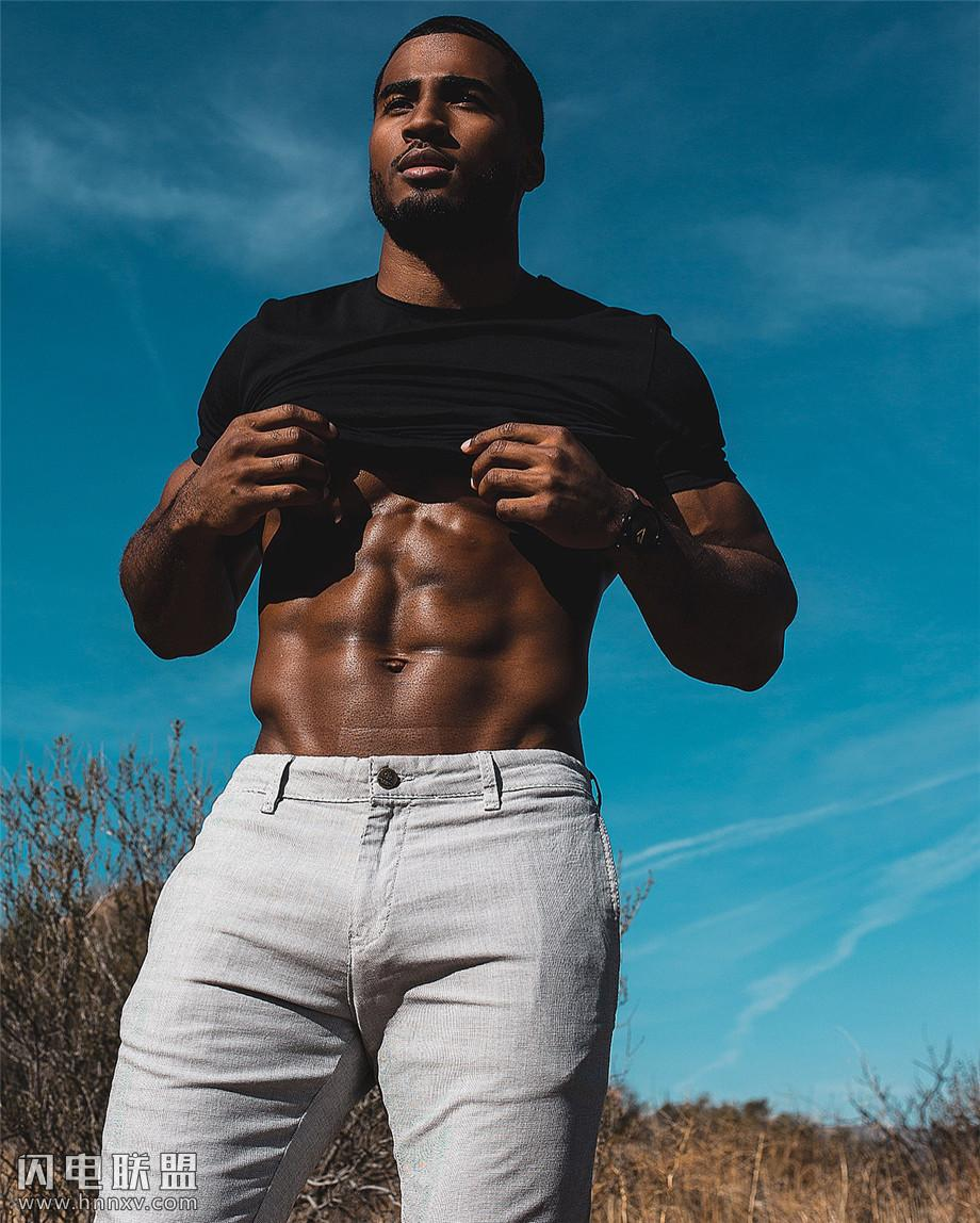 欧美黑人肌肉帅哥图片第3张