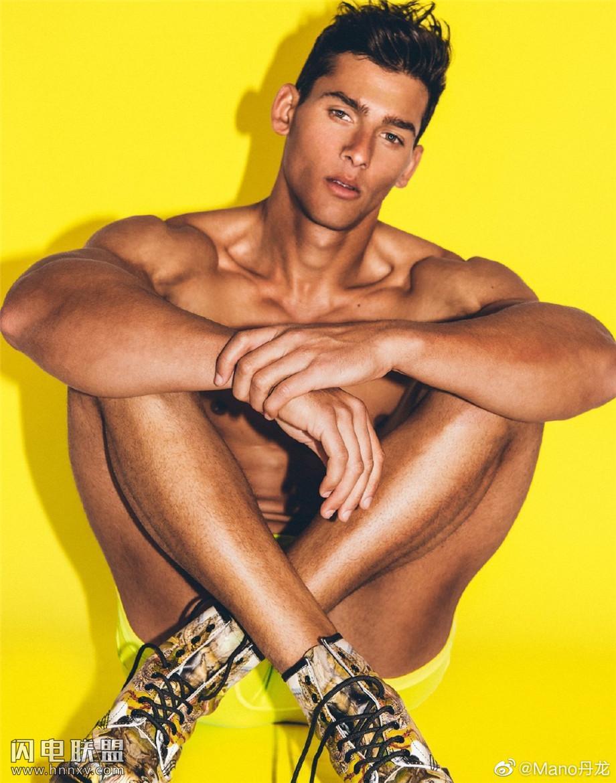 欧美肌肉帅哥人体写真图片